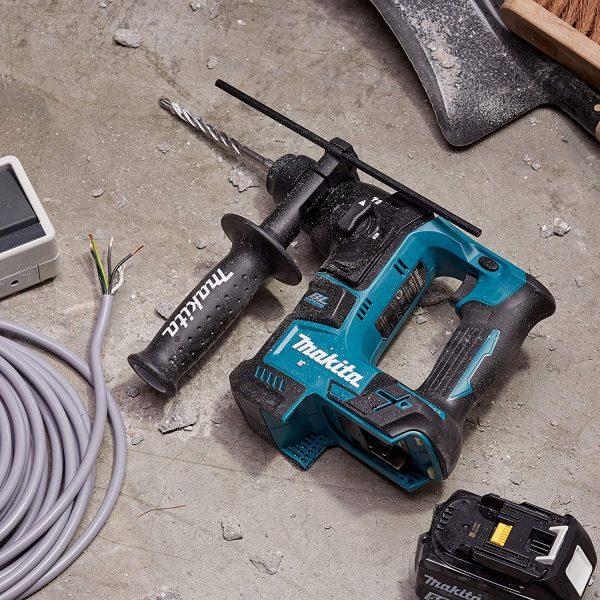 perforateur Makita en chantier